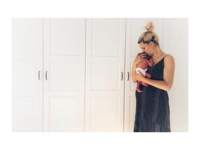 Kristína Tormová krátko po pôrode so synčekom Alankom