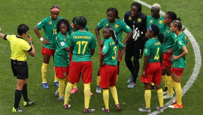36c1e468b Osemfinálové stretnutie medzi Anglickom a Kamerunom (3:0) na svetovom  šampionáte vo futbale žien vyvolalo množstvo kontroverzii. V hlavnej úlohe  bol systém ...
