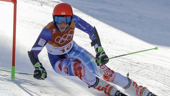 631dc1a81 Slovenská reprezentantka v zjazdovom lyžovaní Petra Vlhová obsadila 13.  mieste vo štvrtkovom obrovskom slalome žien na zimných olympijských hrách v  ...