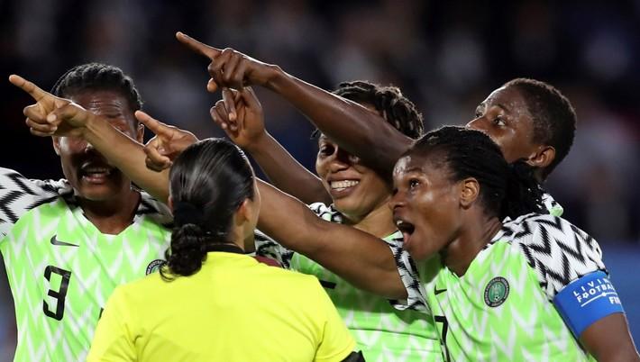 b4078f2ae Futbalistky Nigérie sa na prebiehajúcich majstrovstvách sveta dostali medzi  šestnásť najlepších tímov sveta a nad ich sily boli Nemky výsledkom 0:3.