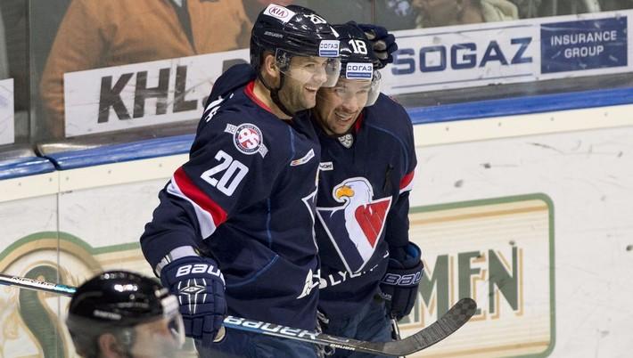 104d16e7e8541 Jediný slovenský účastník Kontinentálnej hokejovej ligy (KHL) 2017/2018 HC  Slovan Bratislava v závere prestupového termínu získal do svojho kádra  kanadského ...