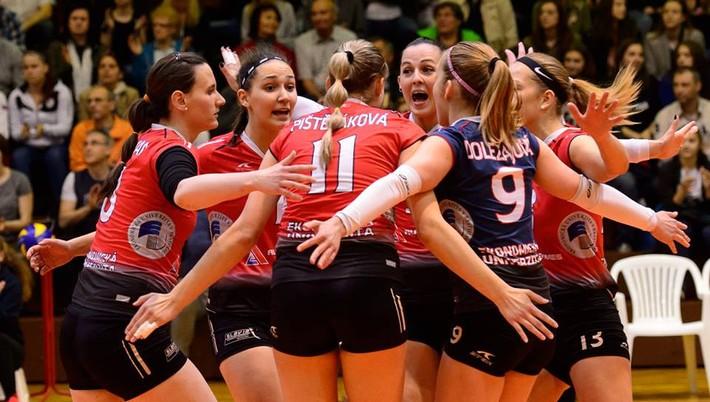 VK Slávia EU Bratislava. Slávia zdolala BVK aj v druhom finále. V sobotu  môže obhájiť titul 07cb76aa18