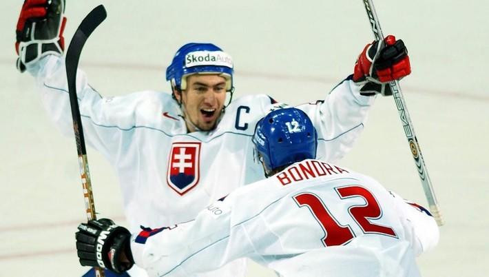 25a95162c3ff4 Legenda slovenského hokeja Peter Bondra sa v stredu stane členom klubu  päťdesiatnikov. Bývalý skvelý krídelník koncom októbra 2007 ukončil hráčsku  kariéru, ...