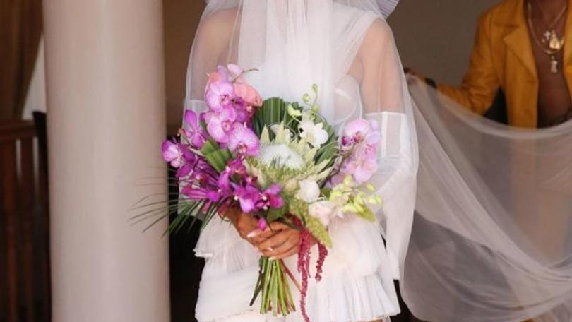 3c36211340e8 Vykašľala sa na klasiku  Táto nevesta si obliekla svadobné šaty