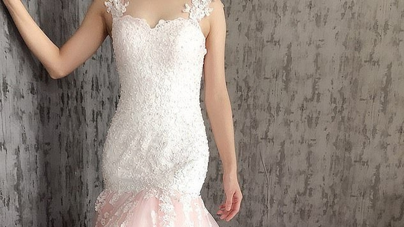 2d2533f371bf Netradičné svadobné šaty sú ľuďom na smiech  Ktorá nevesta by si ich  obliekla