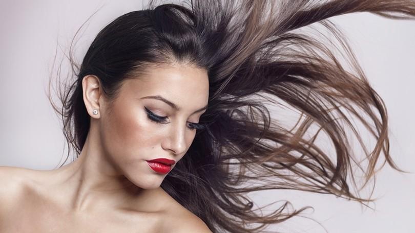 Máte RIEDKE vlasy  Naučte sa to zamaskovať! ea02daefd2a
