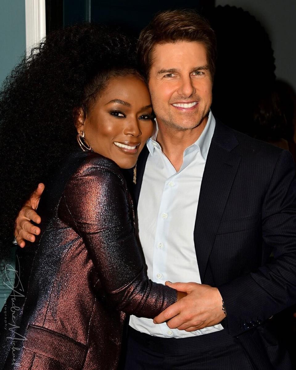 Angela Bassett a Tom Cruise