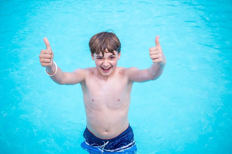 Max Bolf je skvelý plavec doma i na pľaci
