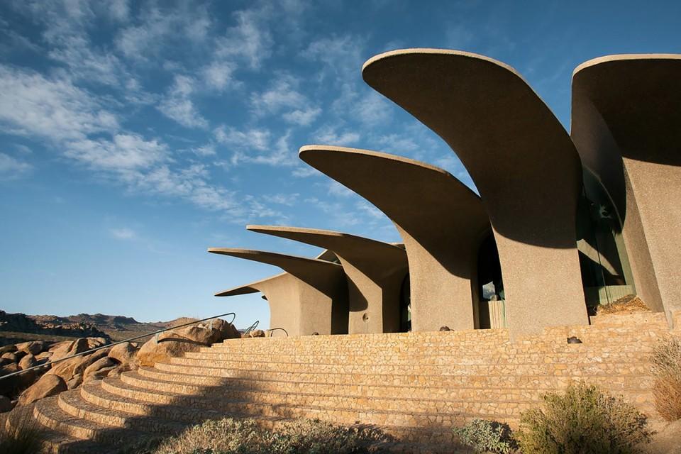 Futuristická vila v púšti
