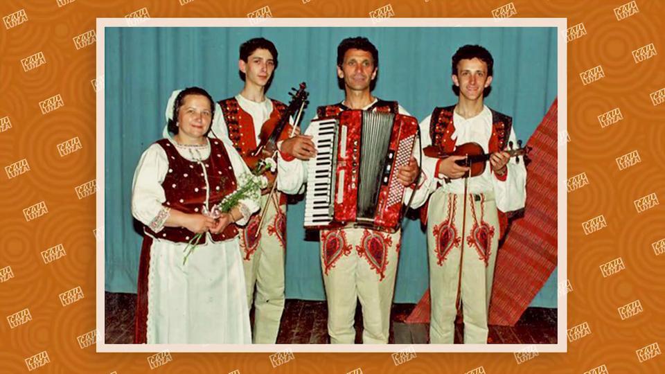 Ondrej Kandráč v mladosti (napravo)
