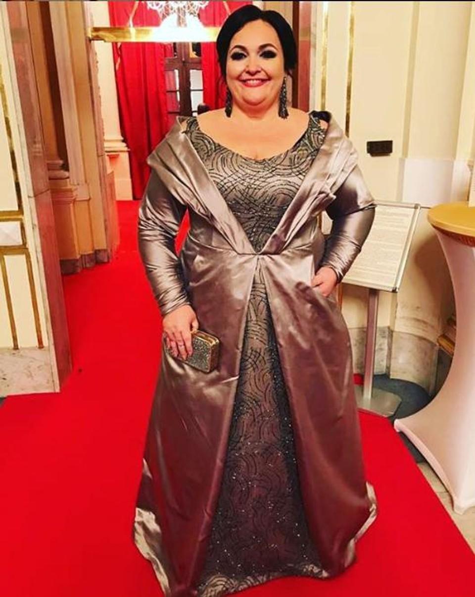 Renáta Názlerová Ples v opere