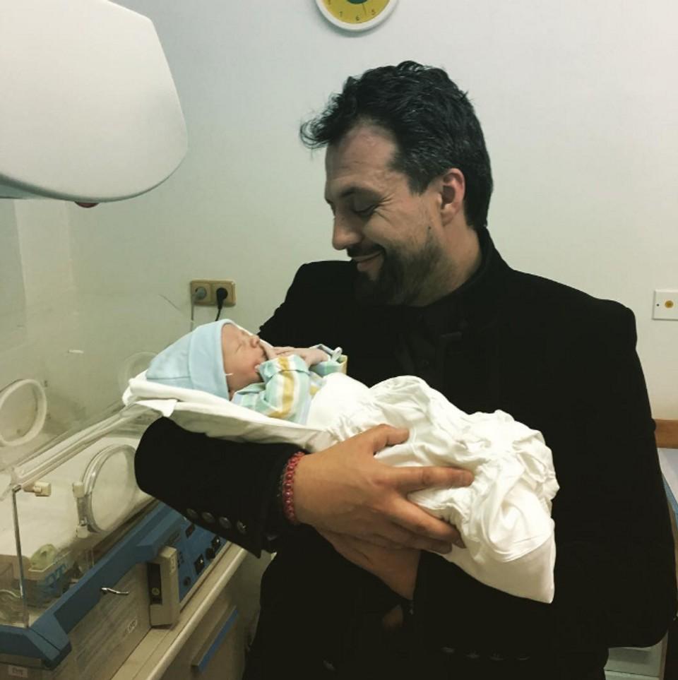 Priateľka Nataša Džunková mu porodila syna Alexeja Mariana.PNG
