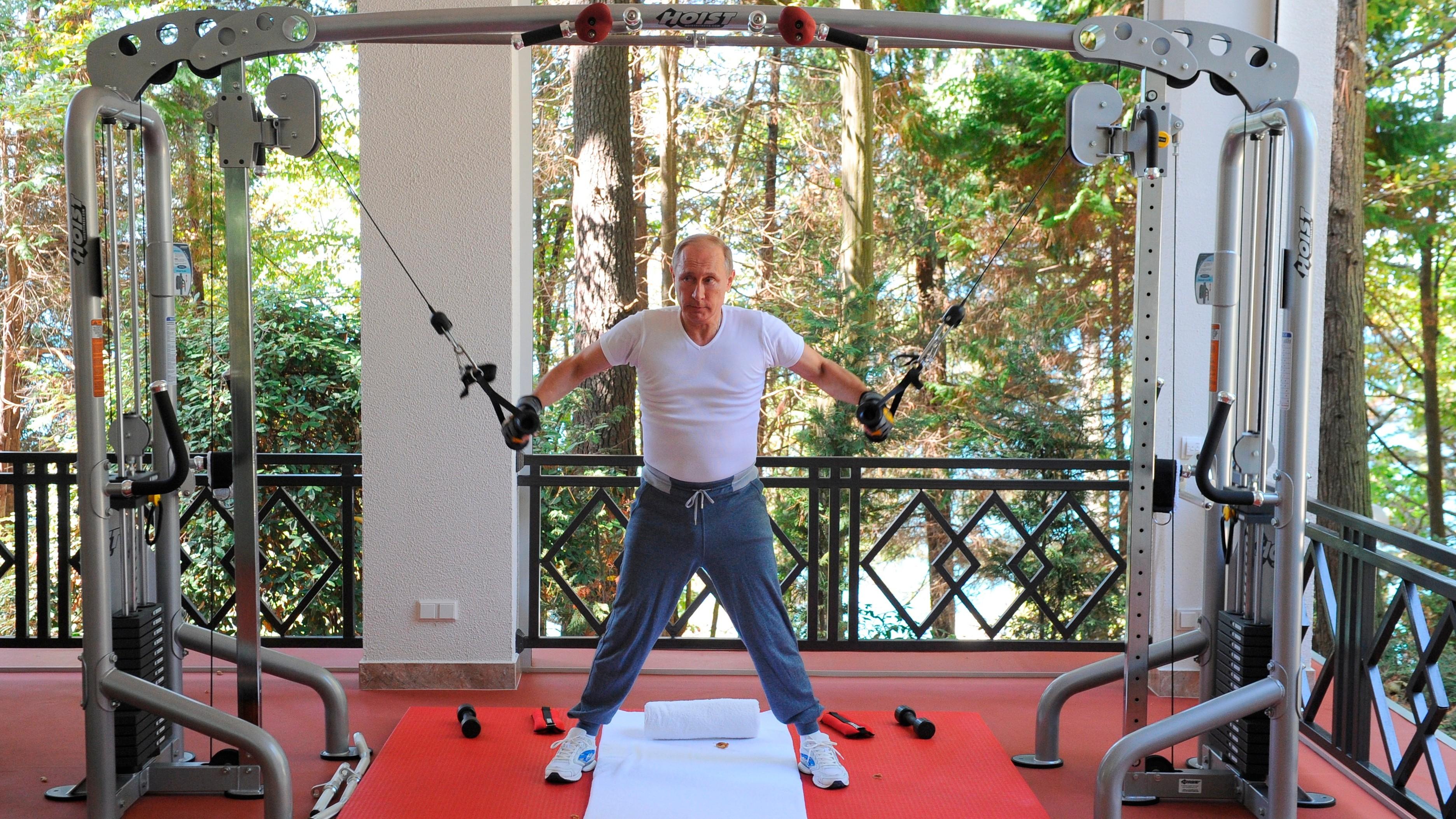 Массовка Кремля: на разных фото Путина окружают одни и те ...