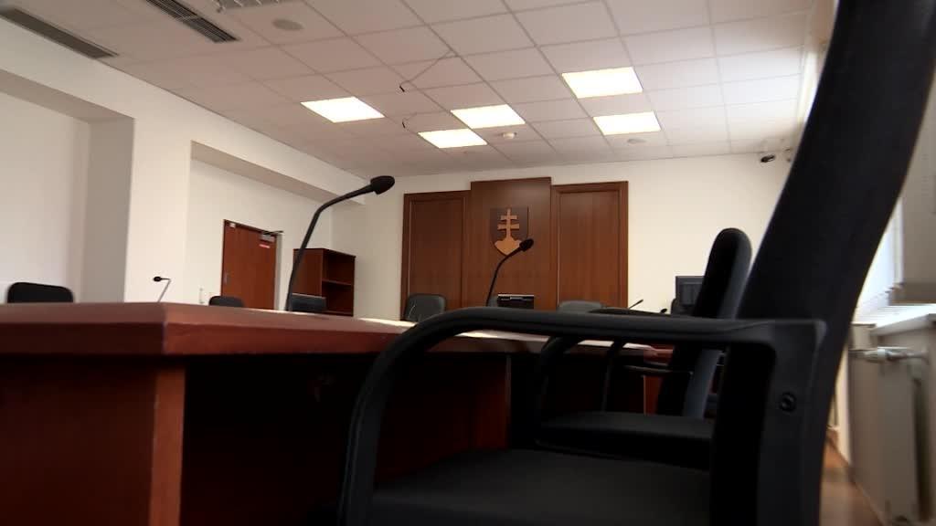 Kauza odmeny pre advokáta Bžána pokračuje, MH manažment končí