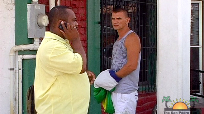 Karol Mello (42)  je stále na Belize, v hre ostáva prílet špeciálom