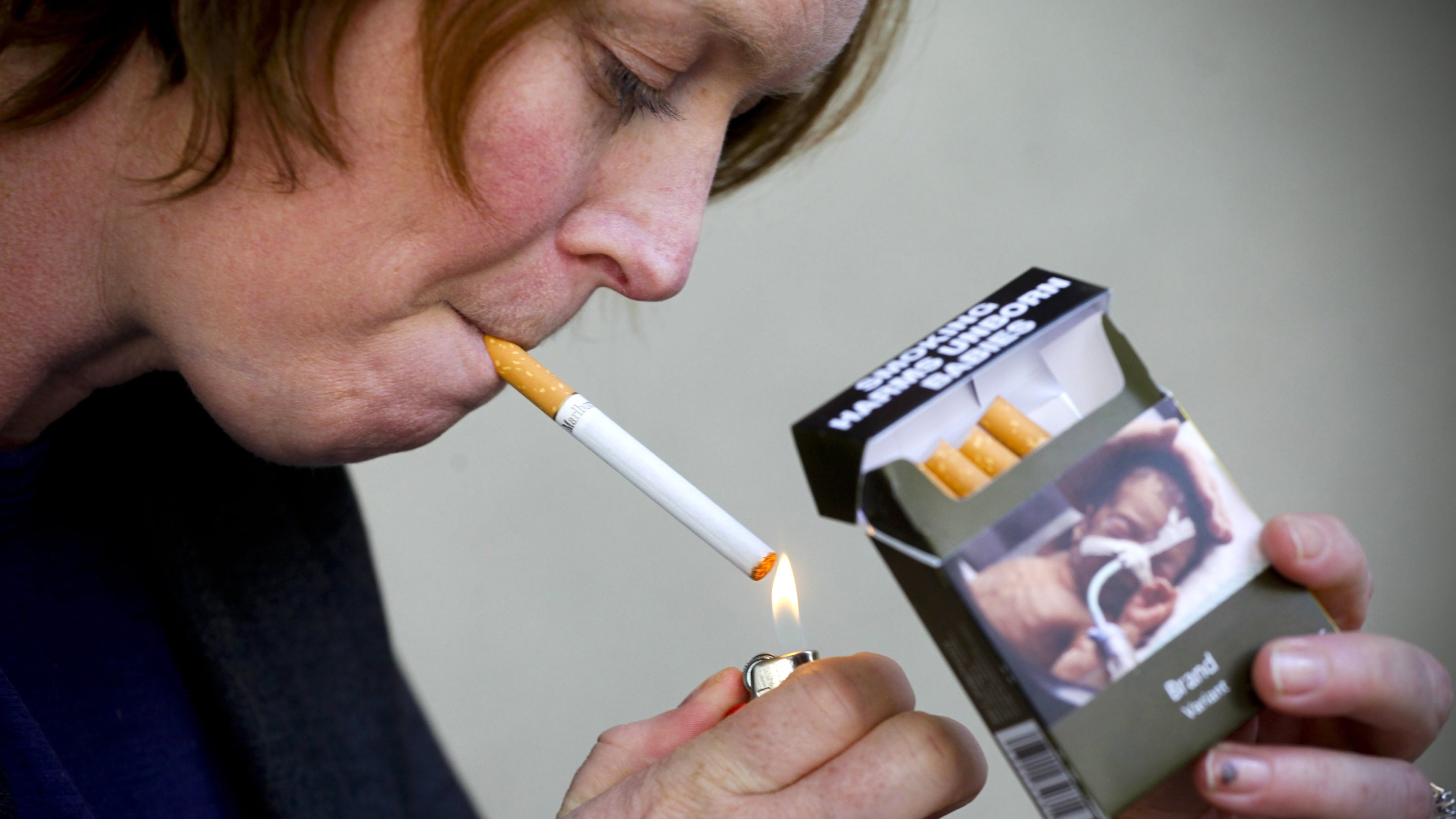 persuasive essay on cigarette smoking