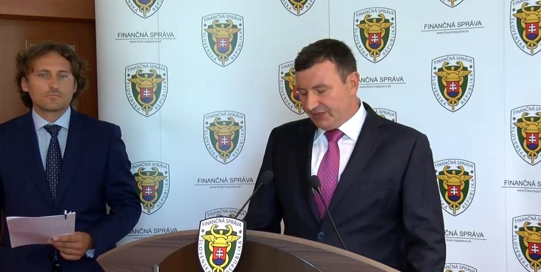 Opozícia žiada odvolanie Imreczeho pre kauzu colných podvodov