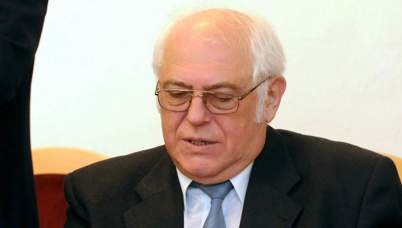 Exposlanec Karlin úplatok nezobral, rozhodol súd