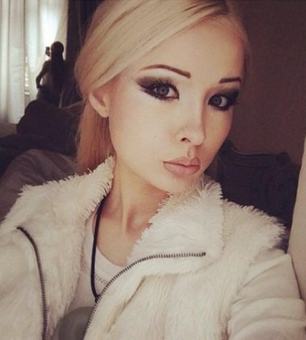 valeria lukyanova instagram - HD1100×1100