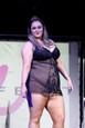 Obézne modelky na módnej prehliadke
