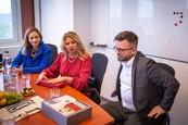 Pred nakrúcaním Inkognita sa prezidentka Zuzana Čaputová stretla s generálnym riaditeľom TV JOJ Marcelom Gregom