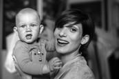 Som mama - Ján Dobrík fotografuje na nakrúcaní seriálu - Zuzana Kanócz