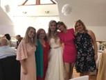 Alena Stračiaková s kolegyňami na svadbe