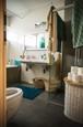 NAŠI - 4. séria - Nový interiér domu - Kúpeľňa
