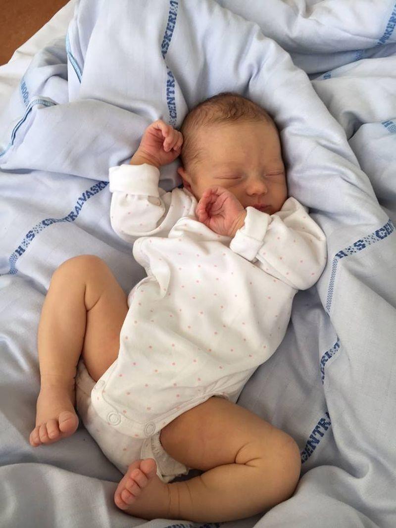 1588b2849 Rozborilova dcéra sa stala mamičkou: Hrdý dedko Vilo zverejnil prvú ...