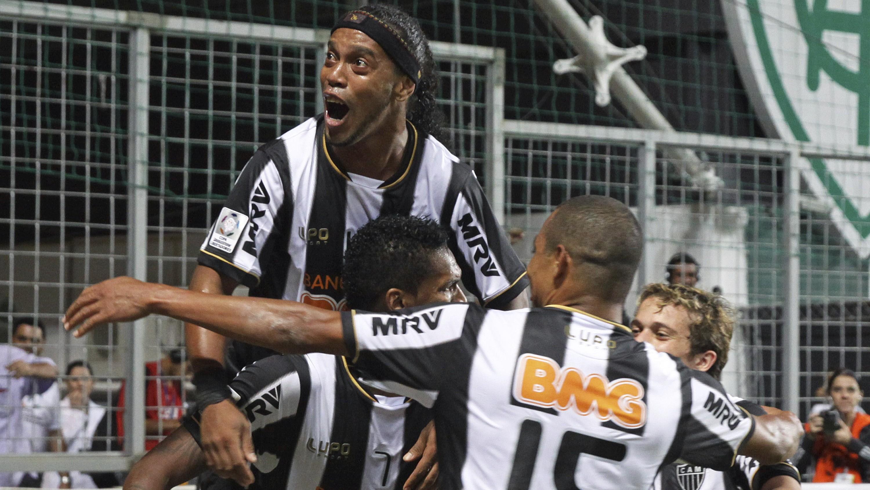 Futbal_Ronaldinho_Mineiro_radosť
