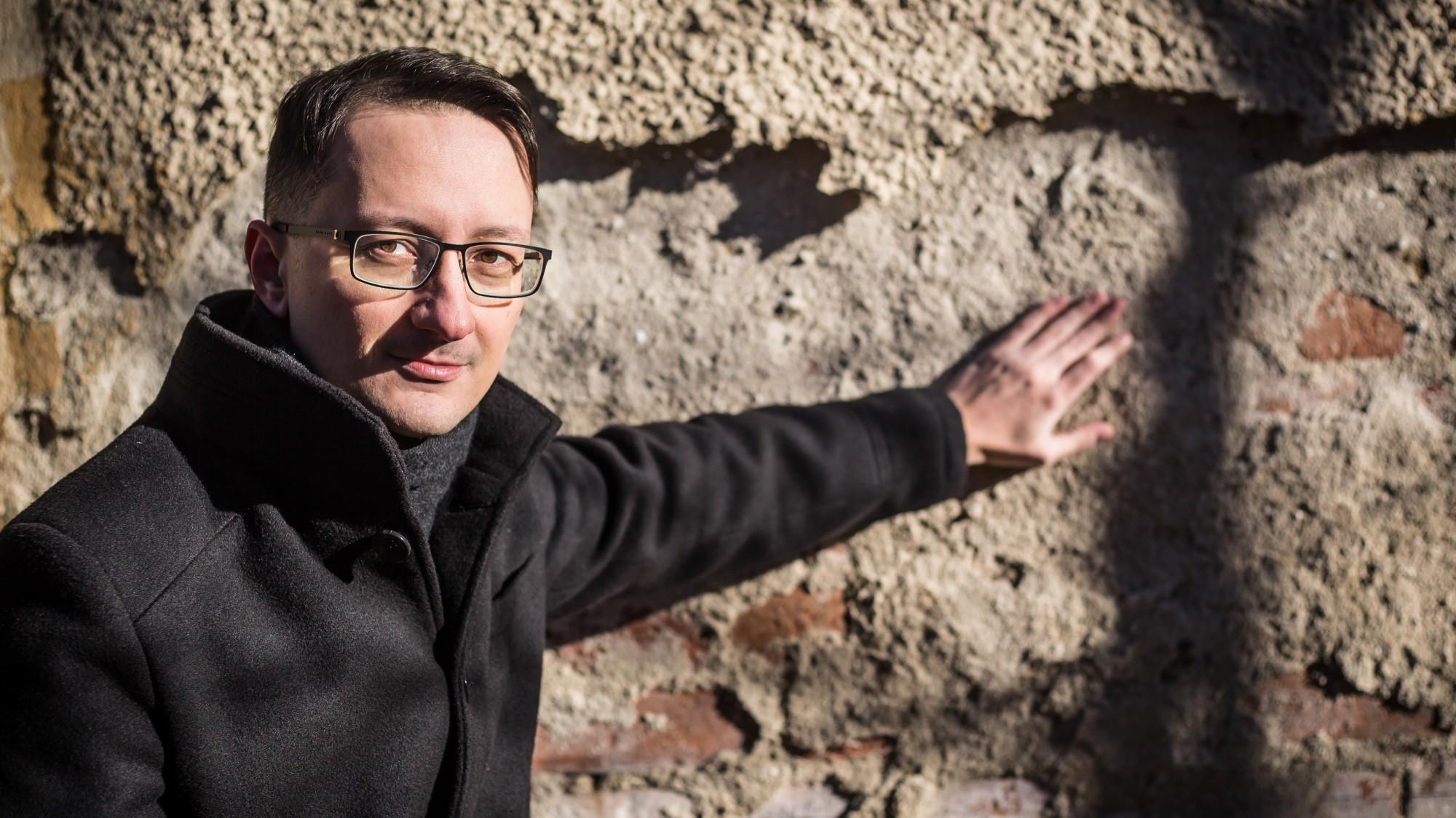 Jozef Karika - Trhlina