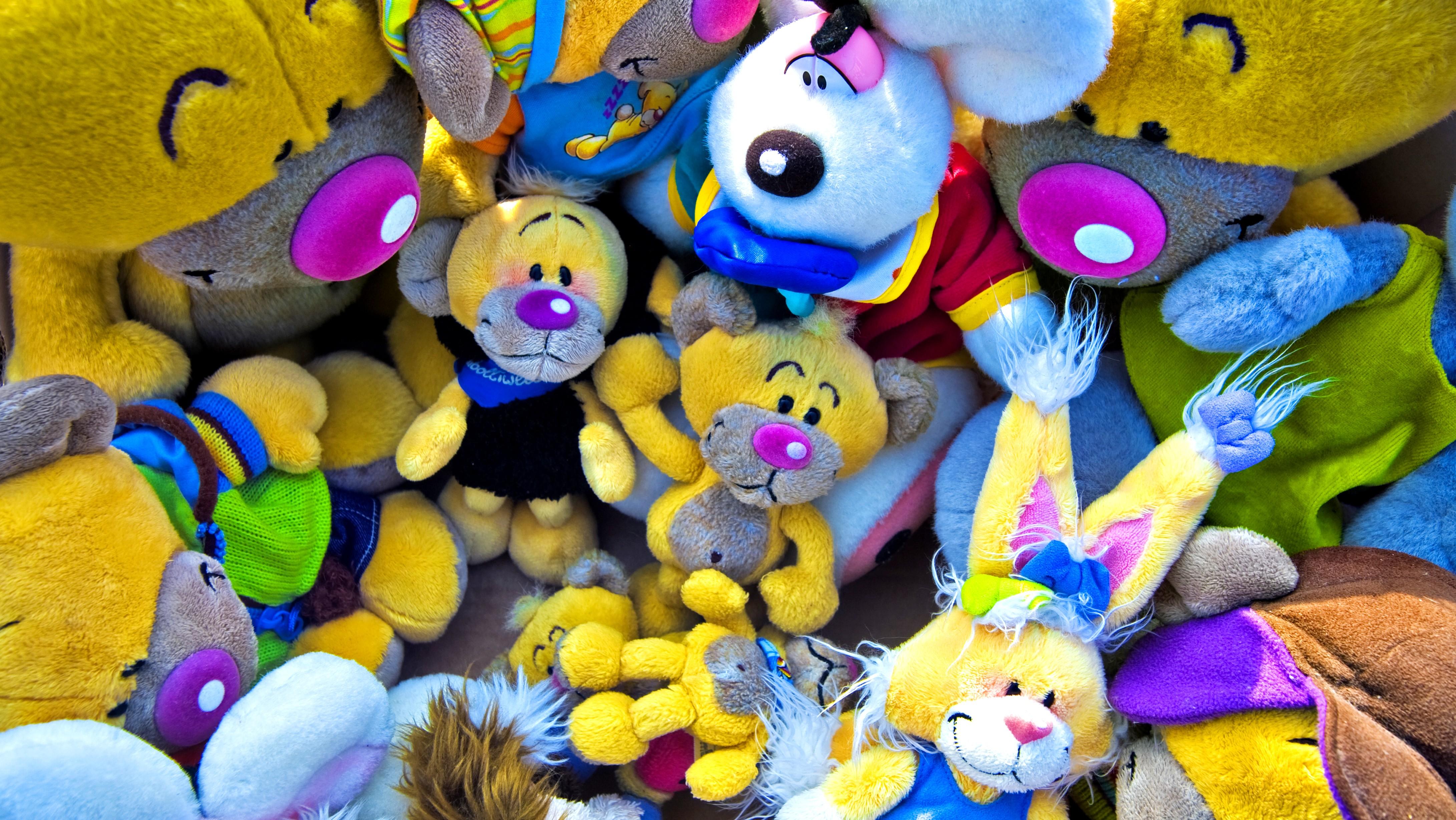 688c657525 31.12.2014 Krimi · Fejky hračiek. Tisíce napodobenín ulovili colníci