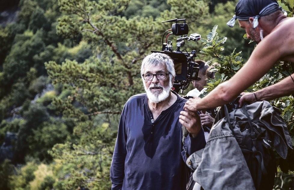 Jiří Bartoška pri nakrúcaní filmu Teória tigra.