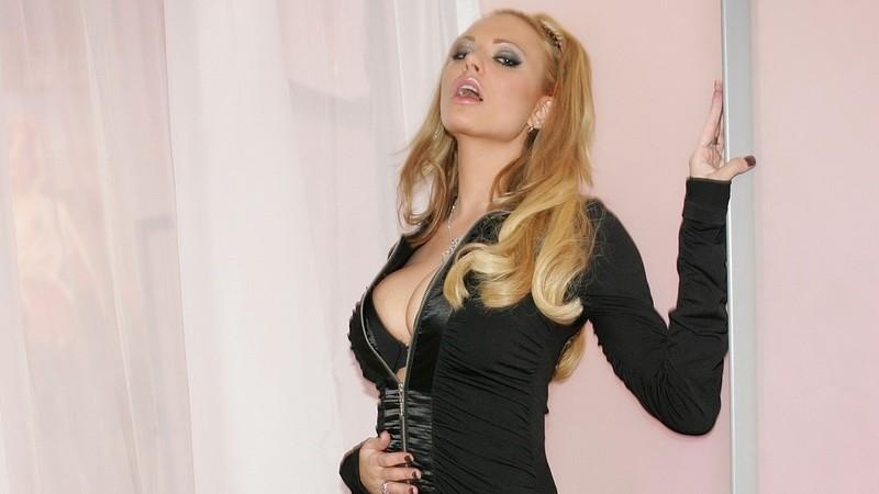 Briana Banks - pornoherečka, najdlhšie nohy na svete