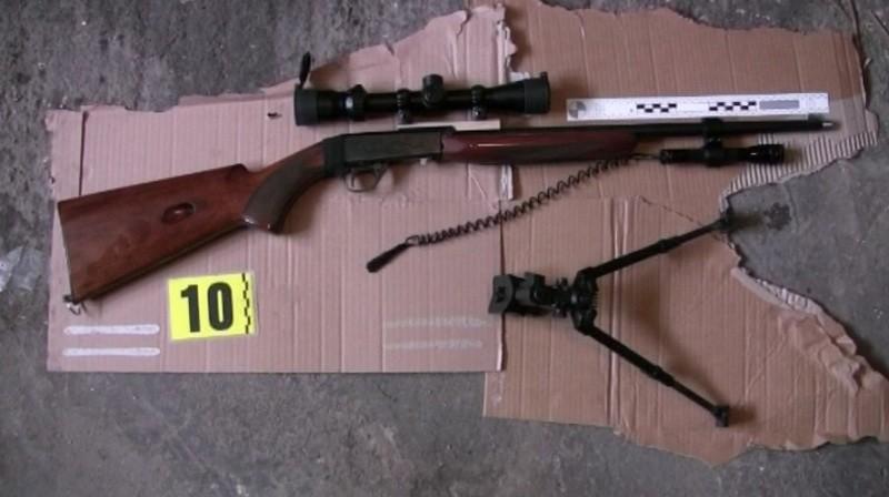 Nelegálne zbrane zadržané pri policajnej razii v Martine