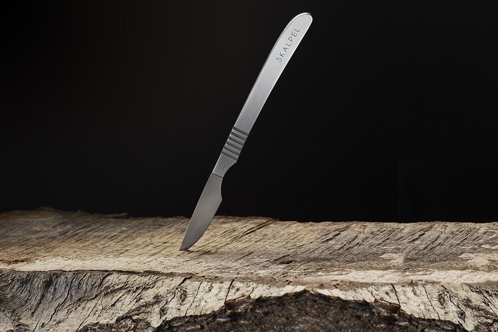 Štýlový steakový nôž Skalpel