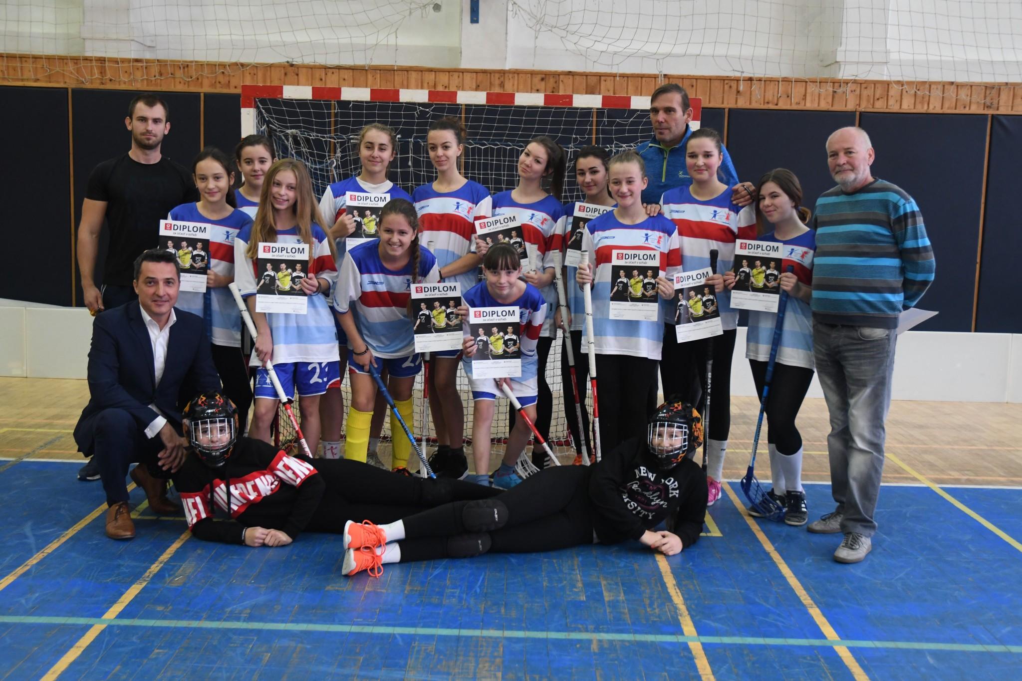 Dievčenský tím zo ZŠ Važecká postúpil na krajský šampionát