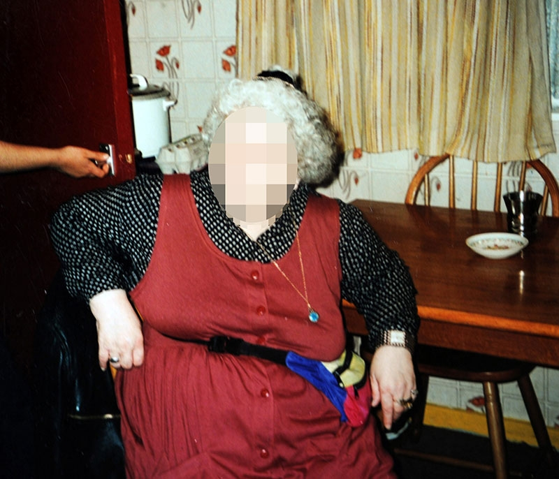 Toto je žena, ktorá sa dokázala prizerať na sexuálne zneužívanie svojich dcér, ktoré sama iniciovala.