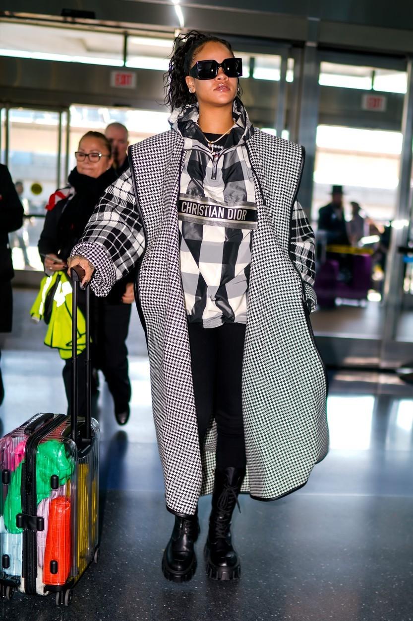 Rihanna outfit
