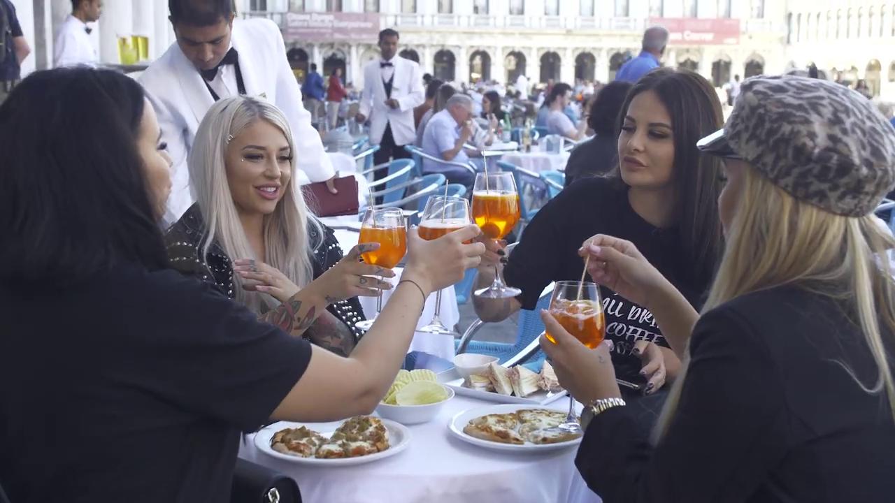 Instaqueen - snack na námestí San Marco