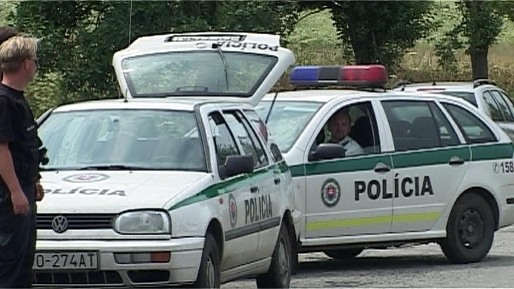 Policajné autá, Lipany, znásilnenie, starenka