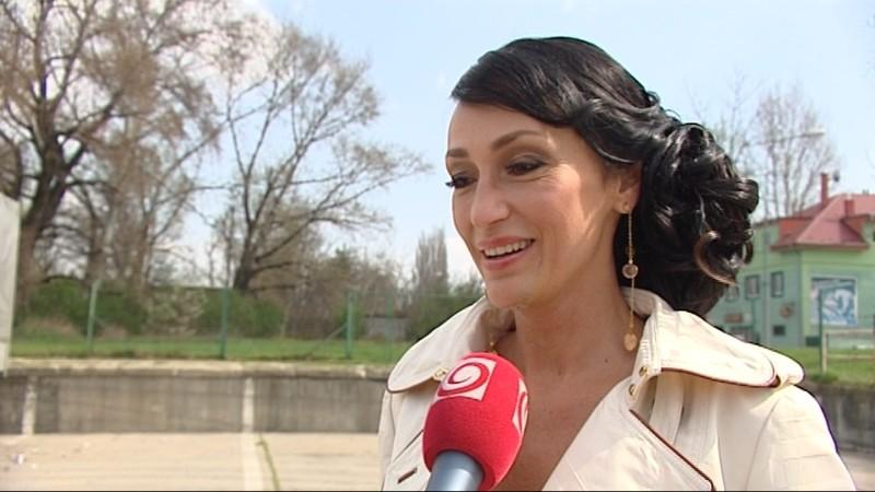 Sisa Sklovská, herečke, hymna
