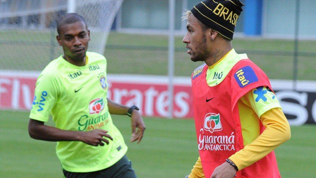 MS_Neymar_Fernandinho_tréning