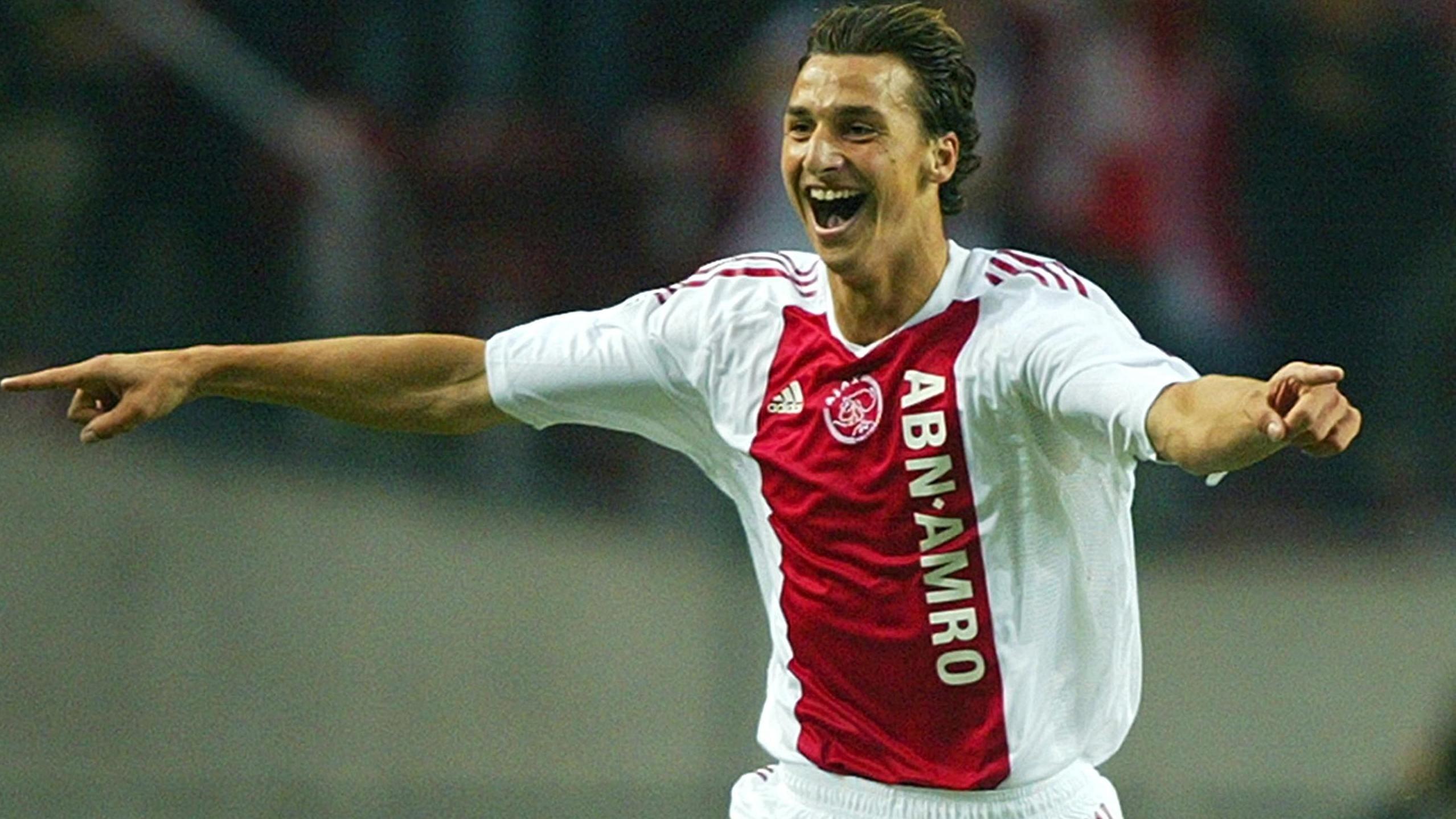 Zlatan Ibrahimovič_radosť_dres Ajax