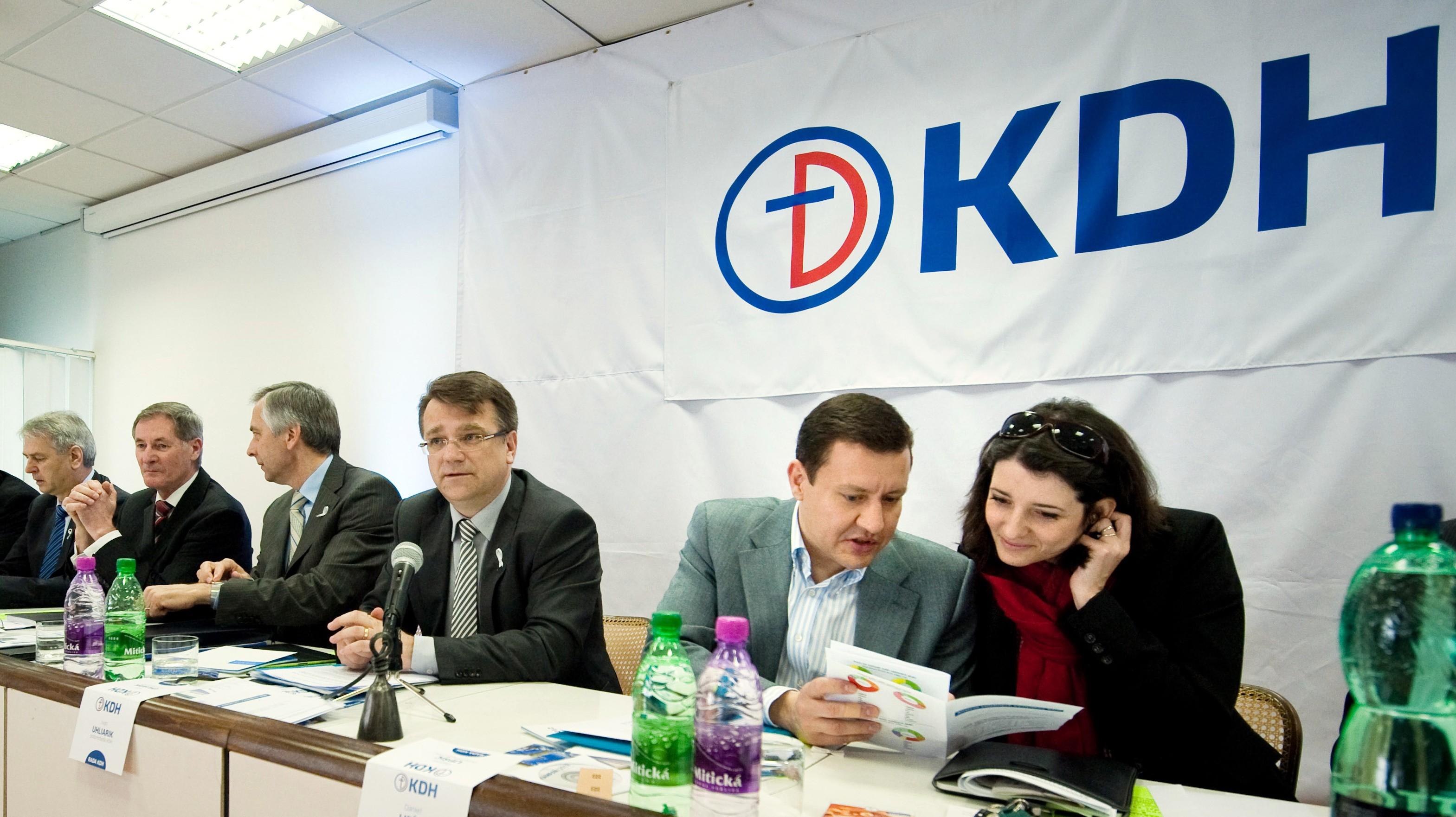 Lipšic a Žitňanská podľa predsedu KDH Fígeľa oklamali voličov