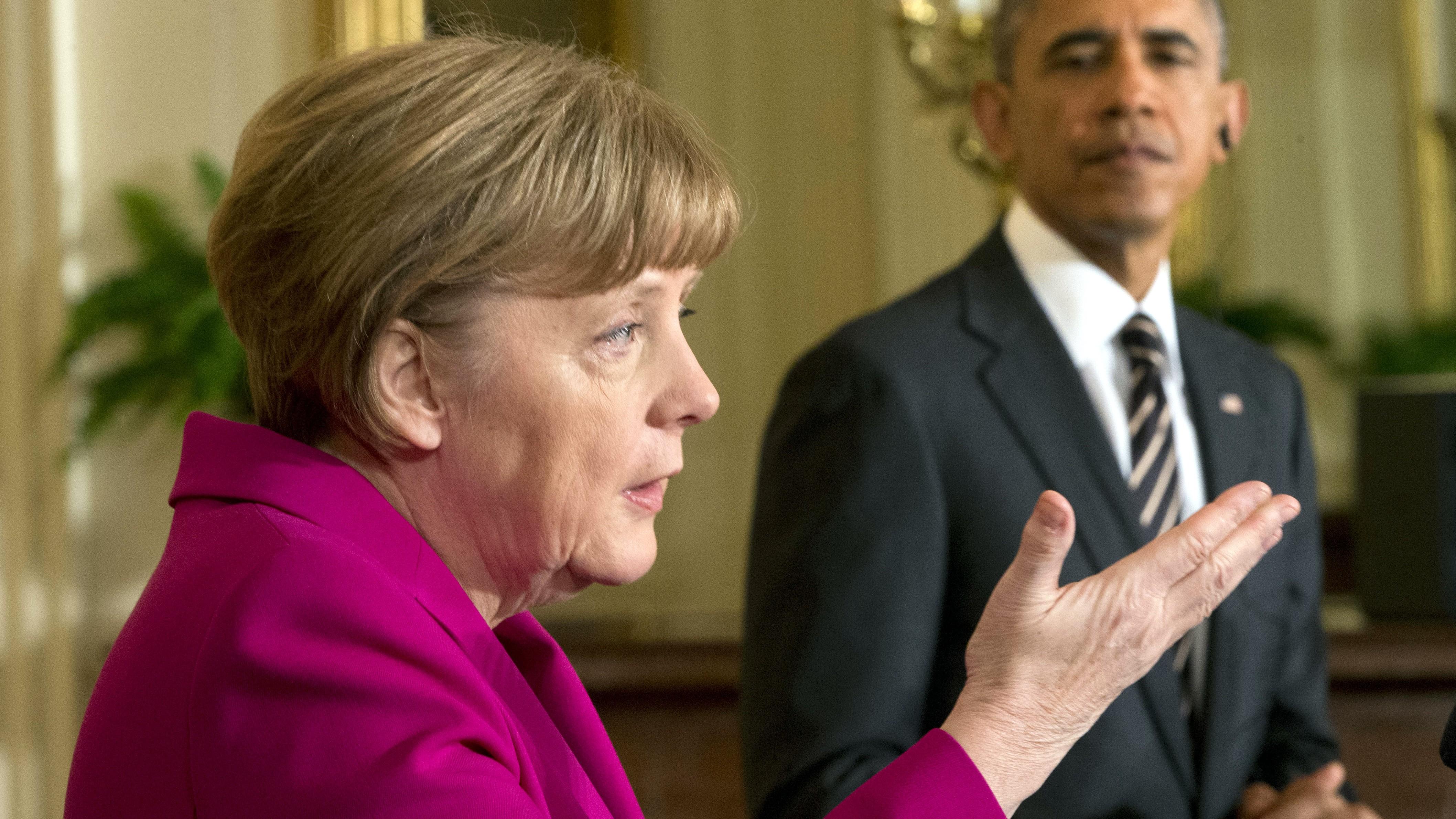 Angela Merkel v Bielom dome,