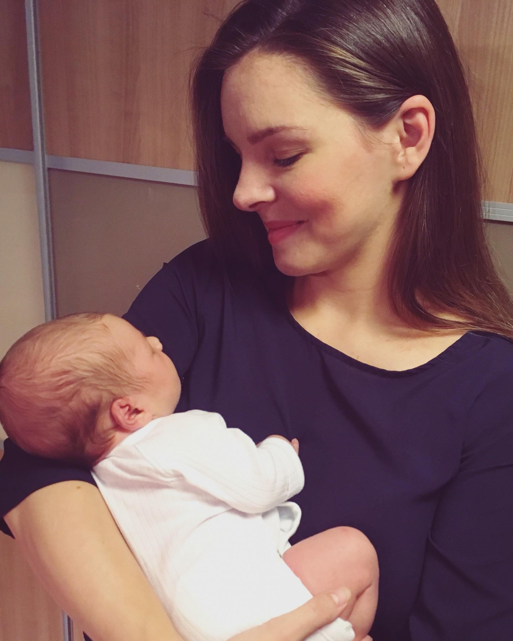 Monika Horváthová s dcérkou