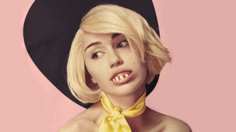 Miley Cyrus fajčenie video