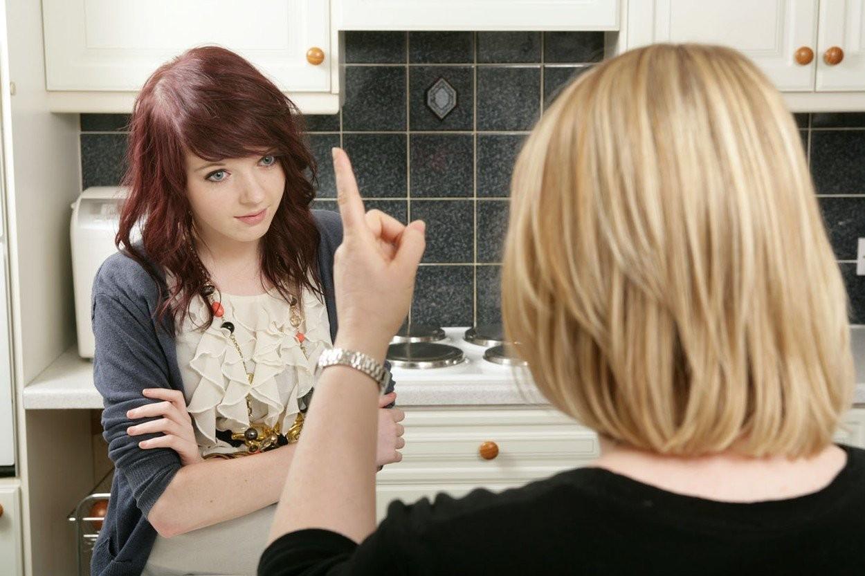 dospievajúce dievča nahé pic zváţiť trubice