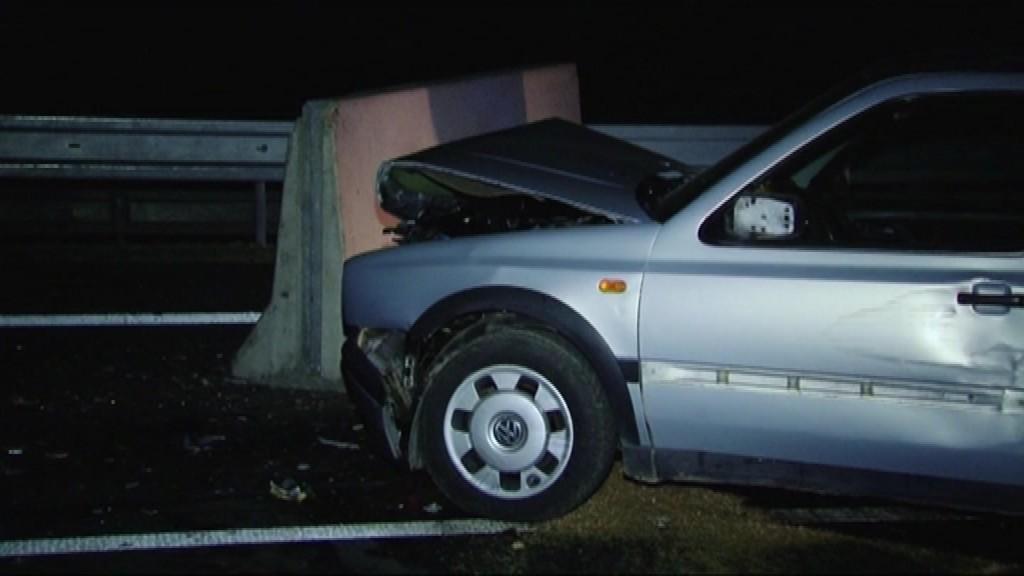 nehoda na R1_zavretá_vodič vrazil do zátarasy